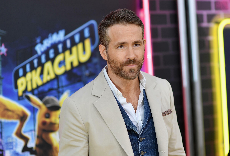 """Ryan Reynolds a expliqué qu'il était au courant des soupçons des fans britanniques envers les Américains.""""Je me soucie suffisamment de ma sécurité pour ne pas appeler ça du football"""""""