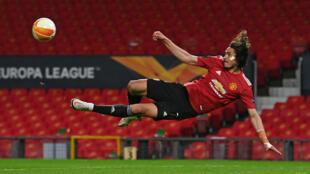 L'attaquant uruguayen de Manchester United Edinson Cavani contre l'AS Rome en demi-finale aller de Ligue Europa, le 29 avril 2021 à Manchester