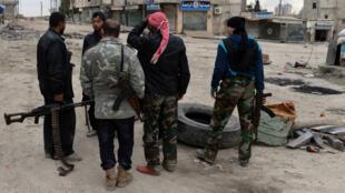 """قتل أكثر من 500 شخص في القتال الذي اندلع بين """"جيش الإسلام"""" و""""فيلق الرحمن"""" منذ أبريل/ نيسان"""