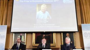 En la presentación del Premio Nobel de Economía, Richard H. Thaler responde a los periodistas vía llamada al ser nombrado ganador. 09/10/2017