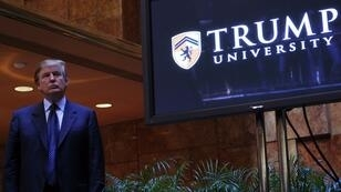 """Donald Trump lors d'une conférence de presse au sujet de la """"Trump University"""" à New York, le 26 mai 2005"""