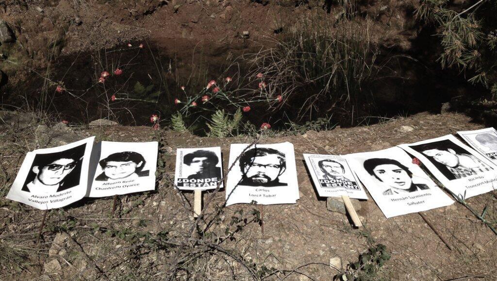 La fosa en la que la Justicia constató que fueron inhumados y exhumados los cuerpos de los detenidos desaparecidos que fueron asesinados en Colonia Dignidad.