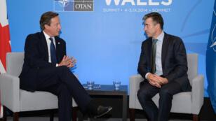 Le Premier ministre britannique David Cameroun et le secrétaire général de l'Otan, Anders Fogh Rasmussen, le 3 septembre