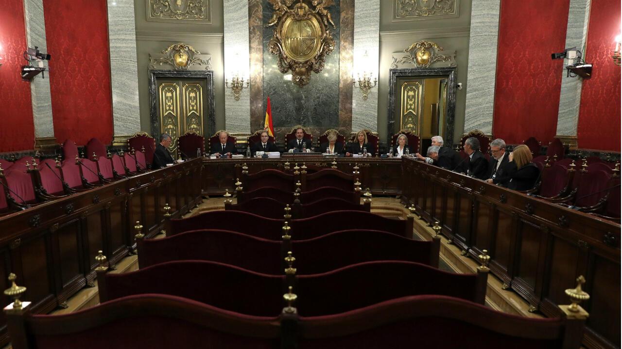 """El Tribunal Supremo español delibera sobre los recursos presentados en el caso de """"La Manada"""" en Madrid este 21 de junio de 2019"""