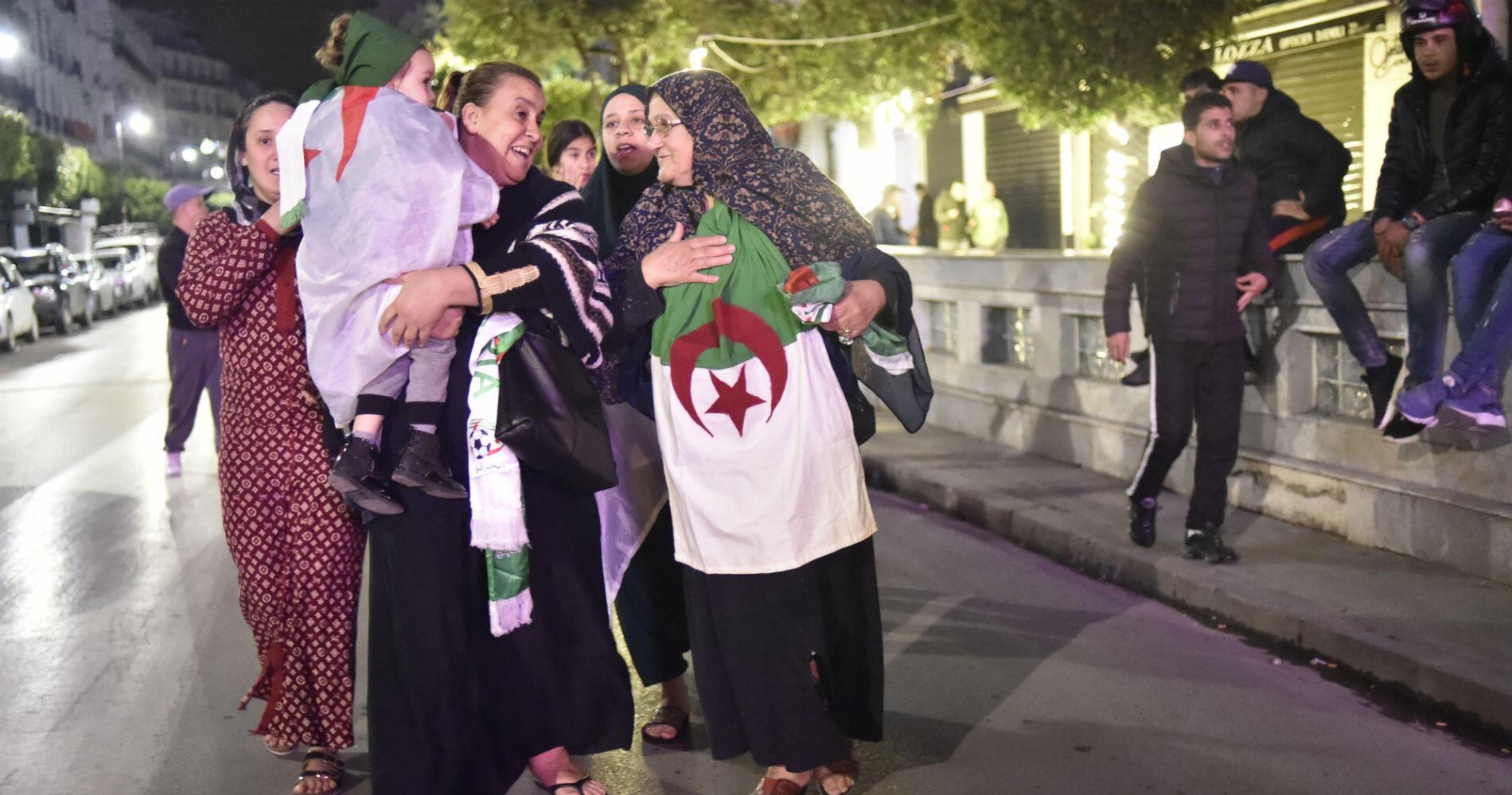 Après un mois de contestation exemplaire, les Algériens ont obtenu, le départ d'Abdelaziz Bouteflika, à la tête du pays depuis vingt ans.