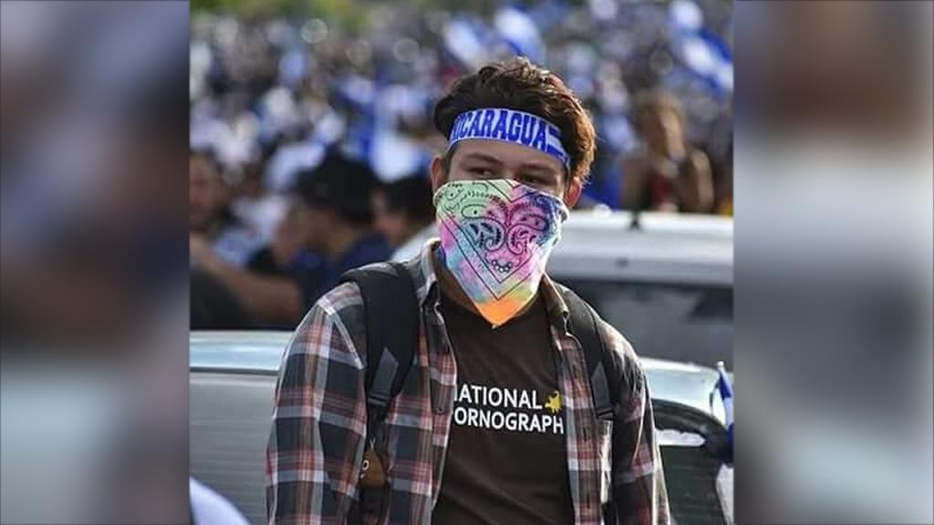 Jonathan Morazan minutos antes de su muerte en la marcha del 30 de mayo de 2018.