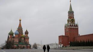 2020-04-06T142326Z_2065205894_RC22ZF9MBHKD_RTRMADP_3_HEALTH-CORONAVIRUS-RUSSIA-BUSINESS