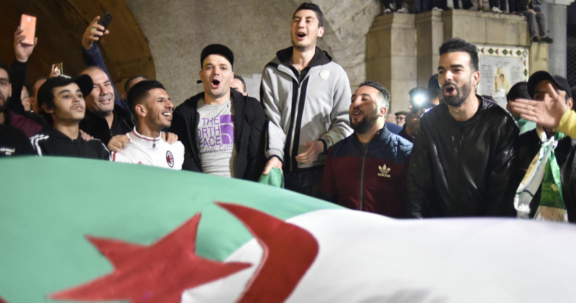 Dans un pays où un habitant sur deux a moins de 25 ans, la jeunesse, durement frappée par le chômage, a été à la pointe des manifestations.