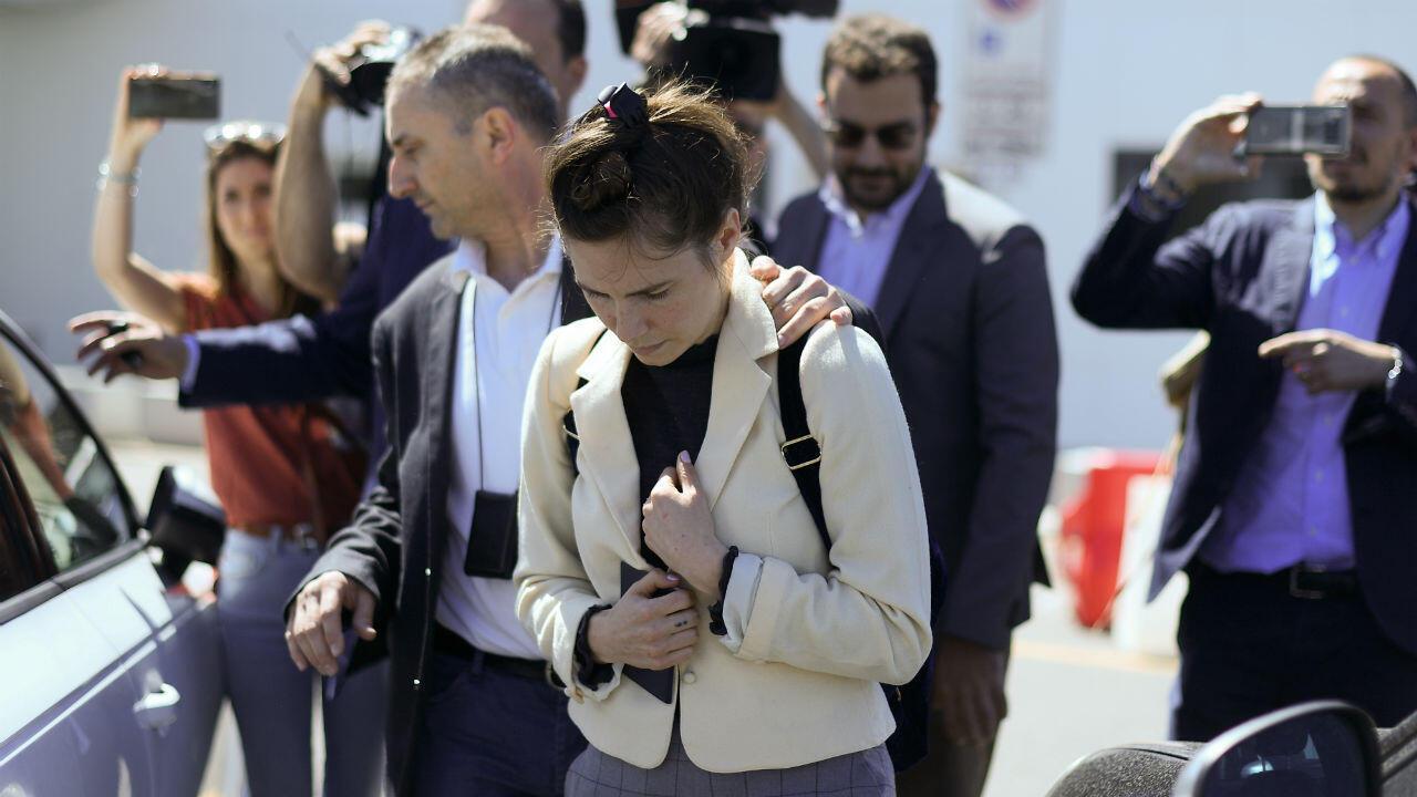 La estadounidense Amanda Knox llega a Milán para participar en un foro sobre errores judiciales. 13 de junio de 2019.
