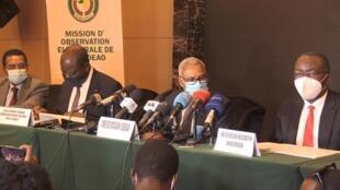 Représentants de l'UA et la CEDEAO à Conakry, mardi 20 octobre.