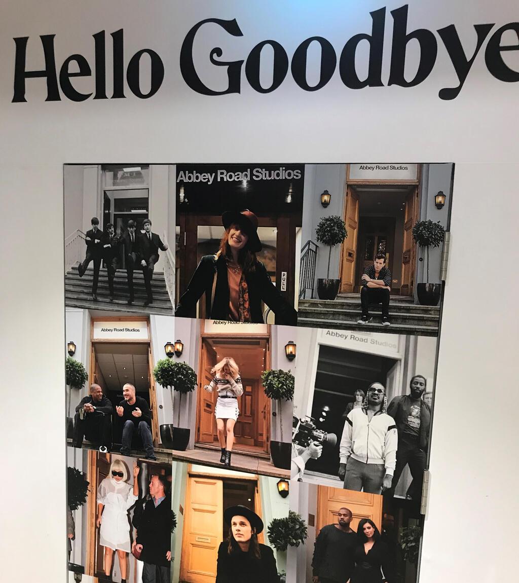 La entrada de la tienda de Abbey Road Studios.