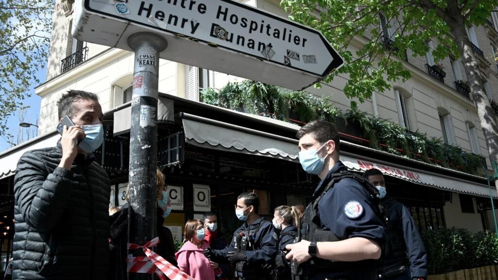 Man shot dead outside Paris hospital in apparent 'targeted killing'