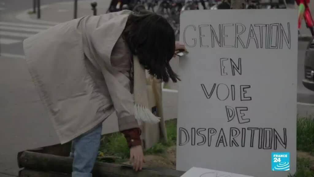 2021-04-17 19:12 Francia: activistas medioambientales critican la Ley del Clima