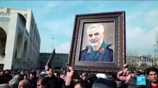 2020-01-04 12:01 Des milliers d'Irakiens se rassemblent pour les funérailles du général iranien Soleimani