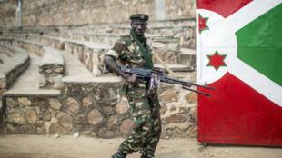Un soldat de l'armée burundaise, le 27 juin 2015.