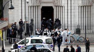 Notre Dame Niza Francia ataque