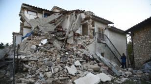 Une maison endommagée dans le village d'Ancarano, le 31 octobre 2016.
