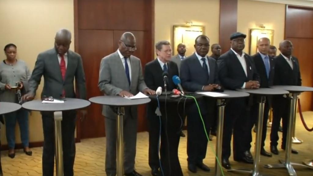 Líderes de la oposición de la República Democrática del Congo durante una rueda de prensa, el 11 de noviembre de 2018, en Ginebra, Suiza, donde adelantaron las negociaciones para seleccionar un candidato único a las elecciones presidenciales de diciembre de 2018.