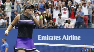La tenista de 19 años volvió a superar a Serena Williams en una final, la anterior había sido en el abierto de Canadá 2019