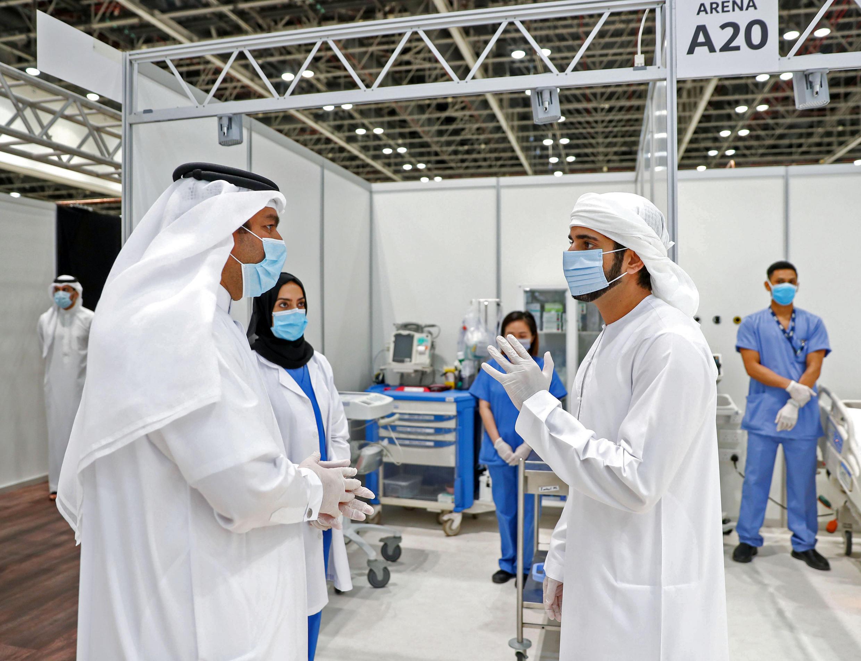 افتتح ولي عهد دبي الشيخ حمدان بن محمد آل مكتوم المستشفى الميداني في مركز التجارة العالمي بالإمارة السبت 18 أبريل/نيسان 2020.