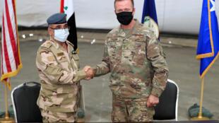 حفل تسلم وتسليم في قاعدة التاجي العراقية بين قوات التحالف والجيش العراقي. 23/08/2020