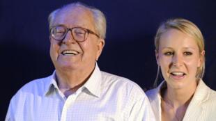 Jean-Marie Le Pen et sa petite-fille Marion Maréchal-Le Pen, le 17 juin 2012.