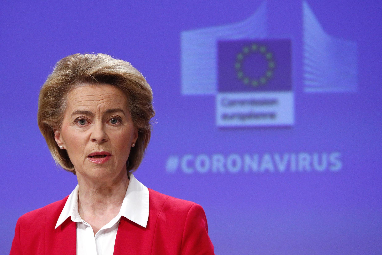 La presidenta de la Comisión europea Ursula von der Leyen durante una conferencia de prensa el 2 de abril de 2020 en Bruselas.