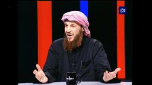 Capture d'écran de l'interview télévisée du cheikh Maqdessi sur la chaîne jordanienne Roya News.