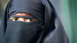 """Des experts de l'ONU ont estimé, mardi 23 octobre 2018, que la loi française sur le niqab violait """"la liberté de religion (et) les droits humains"""" des musulmanes."""