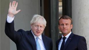 El primer ministro británico, Boris Johnson, y el presidente francés, Emmanuel Macron, se reúnen en el Elíseo en París el 22 de agosto de 2019