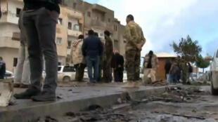 موقع تفجير سيارتين ملغومتين بمدينة بنغازي الثلاثاء 23 يناير 2018
