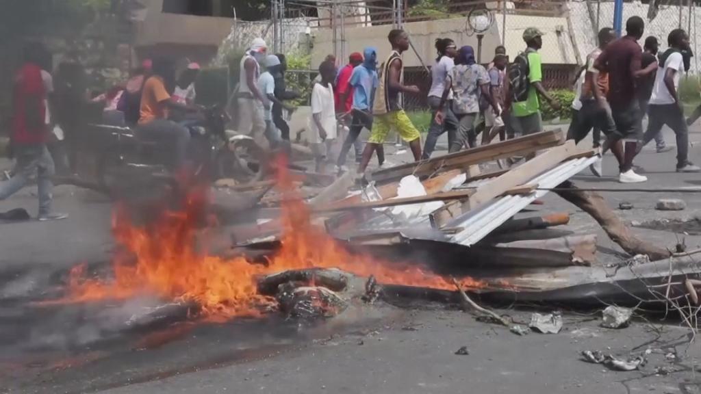 Imagen de video tomada de las manifestaciones en Puerto Príncipe, el 4 de marzo de 2020.