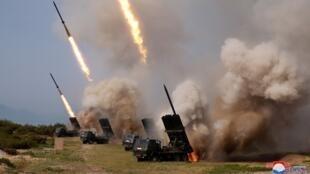 الجيش الكوري الشمالي يجري تجارب صاروخية في 4 مايو/أيار 2019.