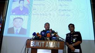 Le chef de la police nationale malaisienne, Khalid Abu Bakar, devant la presse le 22 février à Kuala Lumpur.