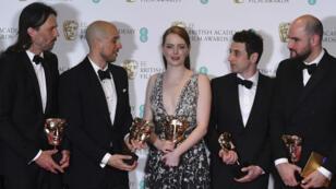 """Emma Stone, l'actrice de """"La La Land"""", a remporté le prix de la meilleure actrice aux Oscars britanniques."""