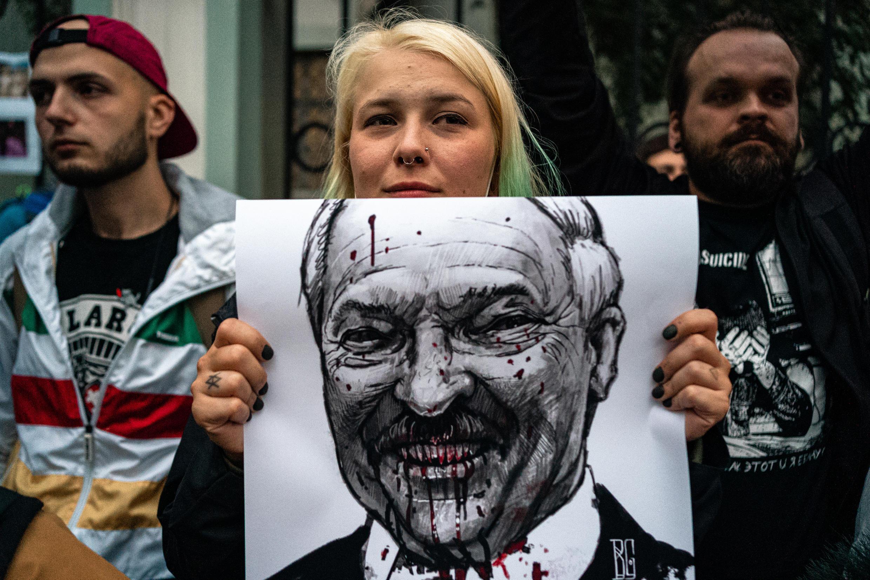 Les manifestants réclament le départ du président Loukachenko.
