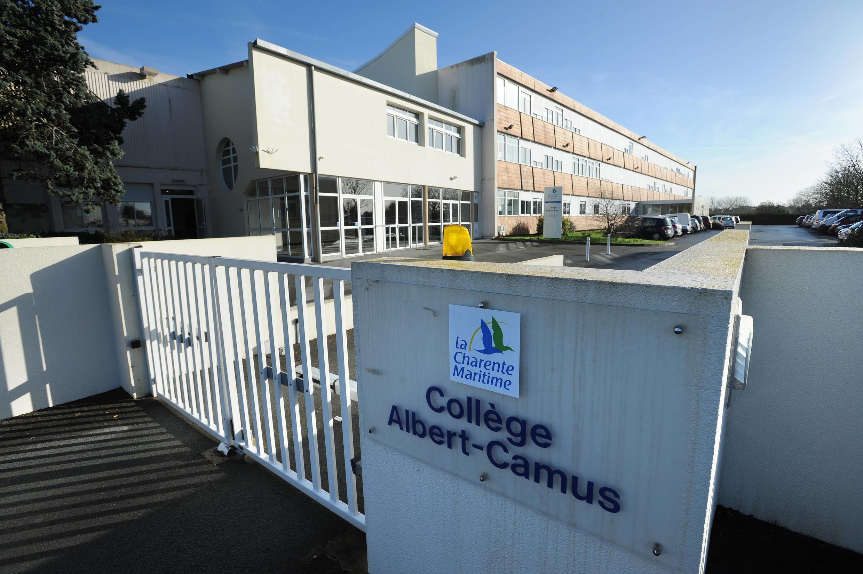 L'entrée du collège Albert Camus à La Rochelle, le 15 février 2013.