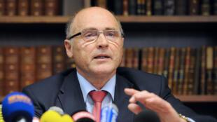 Le procureur de Marseille, Brice Robin, en conférence de presse jeudi 26 mars.