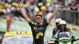 Le Français s'impose en solitaire dans la 8e étape du Tour de France, à la station des Rousses