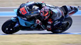 Le pilote français Fabio Quartararo au guidon de sa Yamaha-SRT lors des essas du GP moto de Valence, le 17 juillet 2020 à Jerez de la Frontera