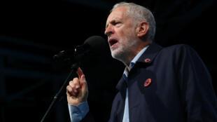 Jeremy Corbyn durante una manifestación antes de la conferencia anual de su partido, en Liverpool, Gran Bretaña, 22 de septiembre de 2018.