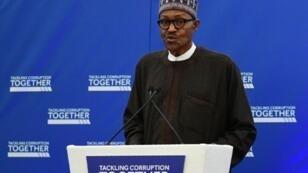 الرئيس النيجيري محمد بخاري في لندن في 11 ايار/مايو 2016