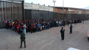 Foto de referencia. Migrantes que intentaron ingresar ilegalmente a Estados Unidos en El Paso, Texas.+ 29 de mayo de 2019.