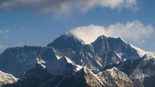 Imagen aérea del Everest, el 7 de febrero de 2020