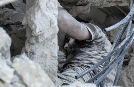 مقتل 15 مدنياً في غارات جوية روسية وسورية في شمال غرب سوريا (المرصد)