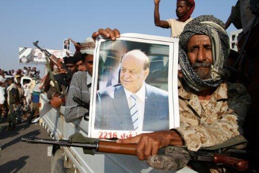 أنصار الرئيس اليمني عبد ربه منصور هادي يتظاهرون في عدن ضد خطة الأمم المتحدة
