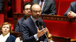 رئيس الحكومة الفرنسية إدوارد فيليب في جلسة بالبرلمان الفرنسي 27 آذار/مارس 2018.