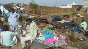 Des habitatations dévastées à Bharatpur, dans l'État du Rajasthan, le 3 mai 2018.