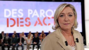 Marine Le Pen invitée sur France 2, en juin 2011.