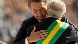 El presidente electo de Brasil ofreció un segundo discurso desde el Palacio de Planalto donde recibió la banda presidencial de manos de Michel Temer
